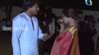 Chiranjeevi Birth day scene 1980's - Chiranjeevi,silk smitha - Paripoyina khaideelu movie