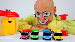 Funny Clown Videos: 4 cars - Where is a yellow bus?