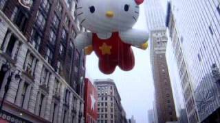 Hello Kitty in the Thanksgiving Day Parade 2009