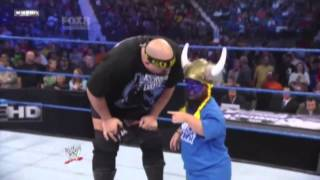 WWE Big Show & Hornswoggle FunnyMoment