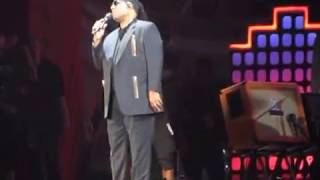 Steve Wonder opens Global Citizen taking knees for the U.S. w/a great speech about love & unity