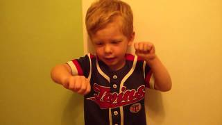 Roman sings the Twins Theme song
