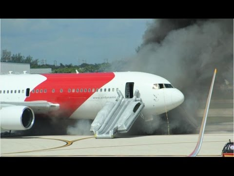 watch Dynamic Airways Flight 405 Fire ATC (with subtitles)
