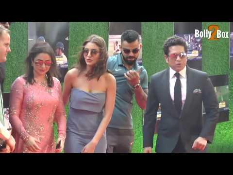 Xxx Mp4 Anushka Sharma In Grey Attire Virat Kohli At Sachin A Billion Dreams Grand Premiere Bolly2Box 3gp Sex