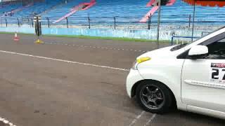 YRT drag race sentul juara 1 kelas 19 detik xenia putih