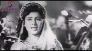 Nigahen Mili Aur Tum Muskuraye - Asha Bhosle - ABE HAYAT - Prem Nath, Ameeta, Pran, Helen
