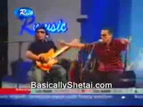 Azam Khan - Ashi Ashi Bole Tumi (featuring Ayub Bachchu)