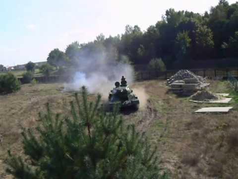 T 34 na poligonie wyższy bieg.