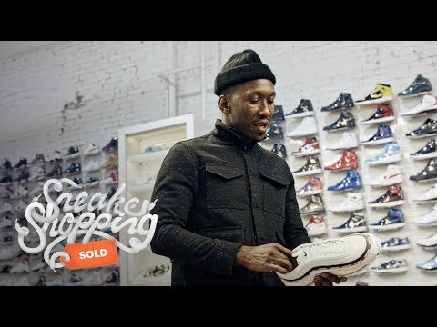Mahershala Ali Goes Sneaker Shopping With Complex