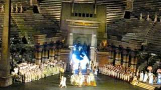 (HQ) Aida - Verdi -  Arena di Verona 2009 - Vieni o guerriero vindice - (After Triumphal March)