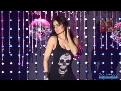 Ameesha Patel Seducing Dance Steps