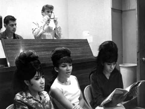 THE RONETTES (HIGH QUALITY) - SLEIGH RIDE