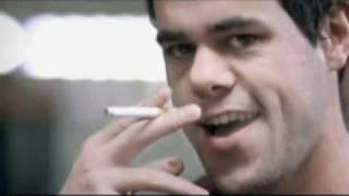 إعلان مضحك عن التدخين