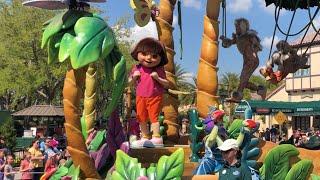 Superstar Parade at Universal Studios Orlando starring Dora the Explorer, SpongeBob, Minions & Gru!