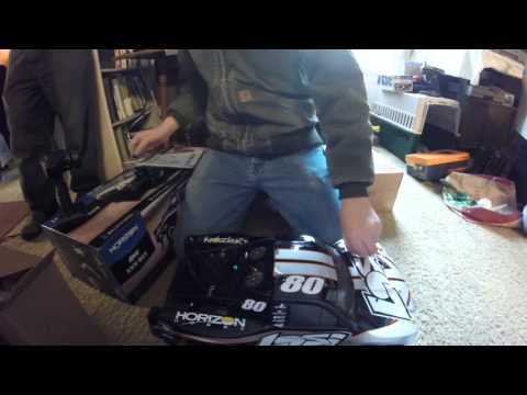 unboxing the losi xxx sct
