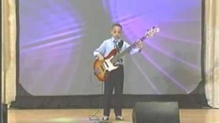 Brandon Rose 10 year old Bass Guitar riff