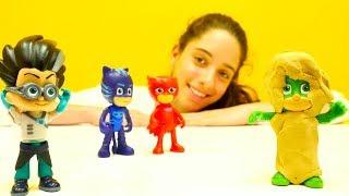 PJ Masks oyuncakları. Dr Eliz Kertenkele çocuğu temizliyor.  #Kızoyuncakları ve #doktoroyunu!