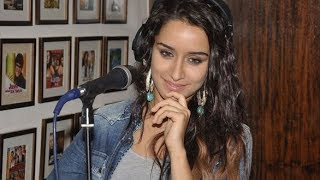 Main Phir Bhi Tumko Chahungi Unplugged by Shraddha Kapoor at Half Girlfriend Movie Event