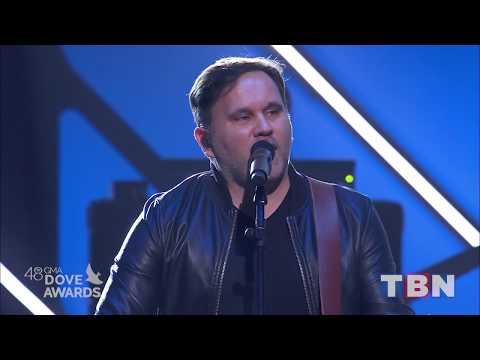 Matt Redman & Tasha Cobbs Leonard Performs Gracefully Broken 48th Annual GMA Dove Awards TBN