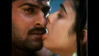 South BomB CHARMI hot kiss