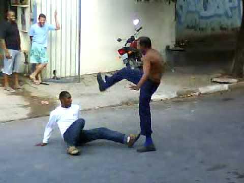 Capoeira milenar Bebados Brigando drunk fight