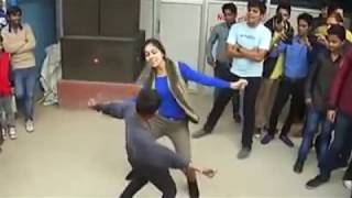 Haryana girl dance on road