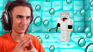 WORLD'S BIGGEST DIAMOND FIND EVER! (Minecraft #1)