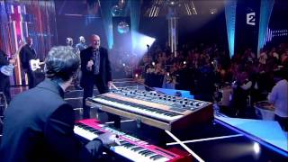 Phil Collins  Love Is Like A Heatwave  111210