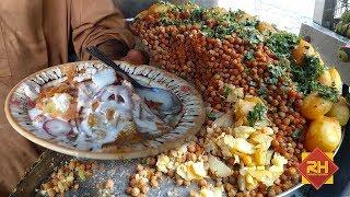 Street Food of Karachi Pakistan   CHANA CHAAT   Papri Chaat.