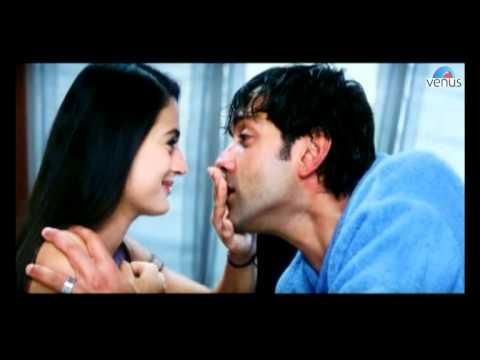 Bobby Deol wakes up Amisha Patel (Humraaz)