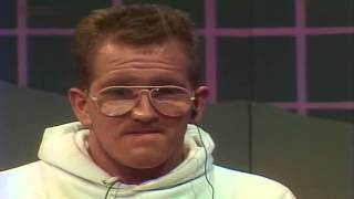 Günther Jauch im Gespräch mit Michael Edwards alias Eddie the Eagle 1988