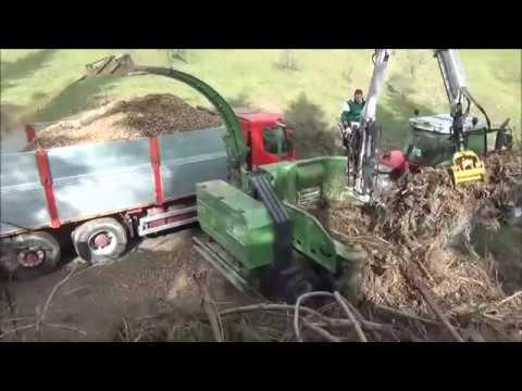 Xxx Mp4 PTH 700 660 Pezzolato Drum Wood Chipper Powered By Massey Ferguson 160 Hp Tractor Icarbazzoli Crane 3gp Sex