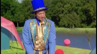 Todd Haberkorn in Barney (Mr. Knickerbocker)