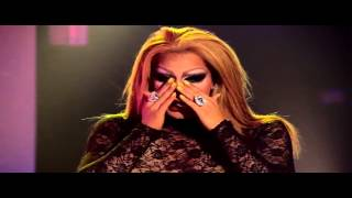 Whip my hair lypsinc of RuPaul's Drag Race with Alyssa Edward & Roxxxi Andrews