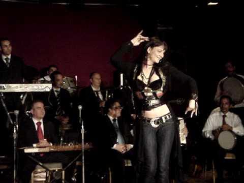 NOOR LA DANSEUSE MAROCAINE DANSE AVEC DINA AU CAIRE AVRIL2009
