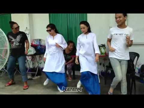 Nora Danish menari goyang goyang