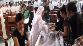 """Misa Requiem & Pemakaman Sr.M.Valentina FCh.Lagu Penutup """"Nderek Dewi Mariah"""""""
