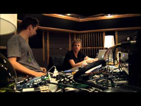 Muse The Making Of The 2nd Law Bonus DVD
