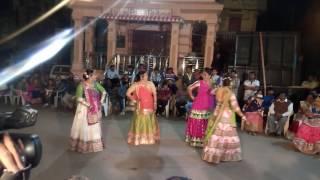 Ye galiya ye chobara dance performance