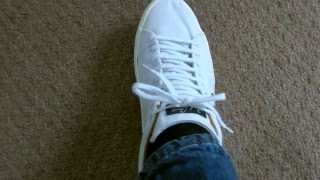 How To Tie Your Shoe Laces So They Don't Come Undone Until You Want Them To!