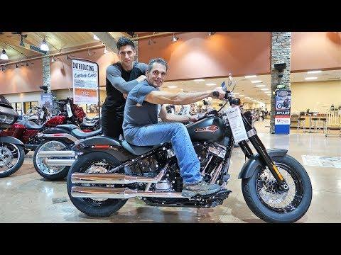 Download Lagu Taking My Dad Motorcycle Shopping! MP3