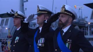Marina Militare - A La Spezia l'ultimo ammaina bandiera di nave Bersagliere