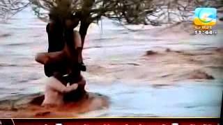 شباب حائل في السيول ... الحمدالله على سﻻمتهم