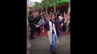 رقص بدون روسری یک دختر ایرانی دیگر در خیابان