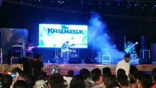 The Khalnayak Band performing Mai Zinda hu