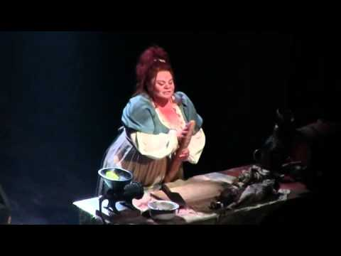 "RIFF OF THE DAY: Keala Settle Takes It Up the Octave in ""Les Miz"""