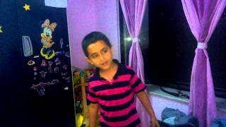Lungi Dance.....Thalaiva - Tribute to Chennai Express by a 5 1/2 year old
