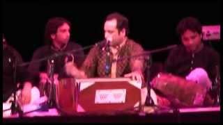 Rahat Fateh Ali Khan Live In Manchester Singing Gum Sum Gum Sum - YouTube.flv