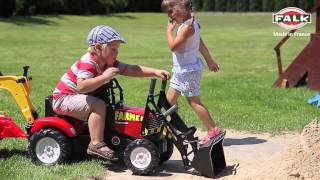 Traktor, koparka na pedały dla dzieci firmy FALK! Reklama video.
