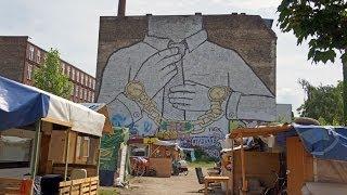 Walking in Berlin. Kreuzberg - Berlin wall